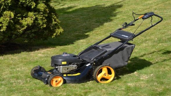 stockvault-lawn-mower166739